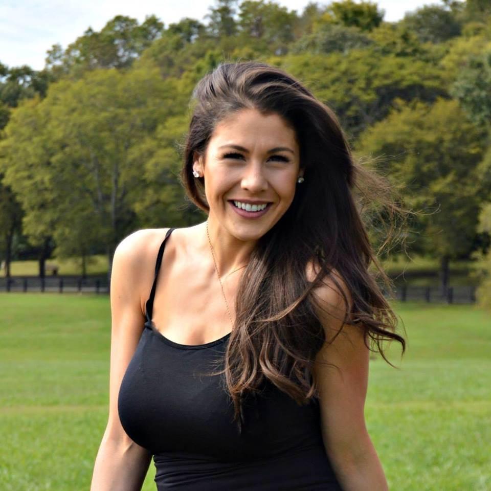 Daphne Deloren Net Worth 2020, Bio, Relationship, and Career Updates